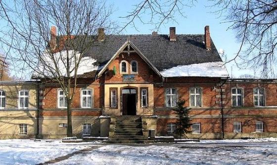 Pałac w Pęckowie widok od frontu
